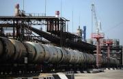 Giá xăng dầu hôm nay 10/5: Duy trì đà tăng mạnh
