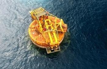 Hành trình kéo phao SPM vào bờ để thực hiện bảo dưỡng