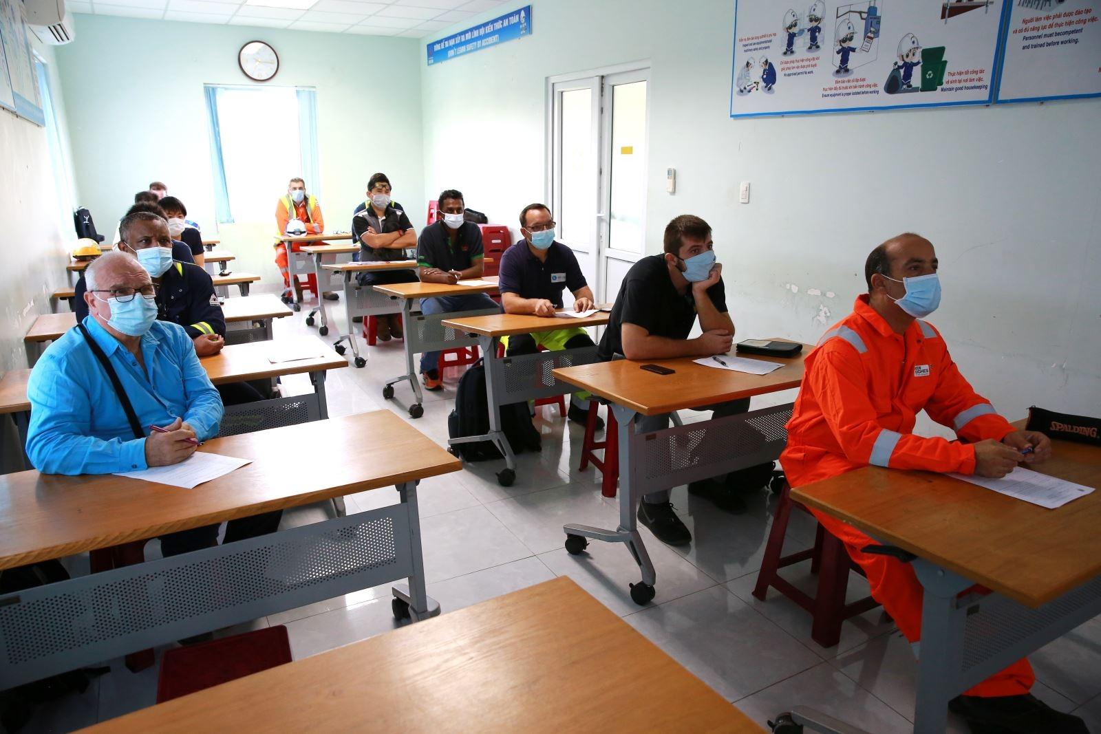 249 chuyen gia da lam viec trong bdtt lan 4 nmld dung quat