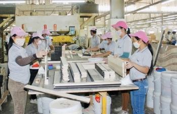 Ước tính giảm khoảng 650 tỷ đồng tiền điện cho 3 nhóm doanh nghiệp khó khăn do COVID-19
