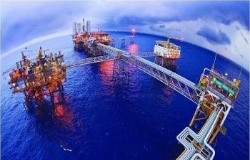 Giá xăng dầu hôm nay 17/9: Giữ đà tăng vọt