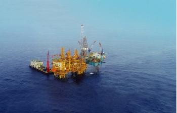 Giá xăng dầu hôm nay 5/10: Giá dầu đồng loạt tăng mạnh, lên đỉnh 7 năm