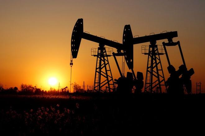 Vì sao giá dầu sôi sục, vọt lên mức cao nhất trong 3 năm? - 1