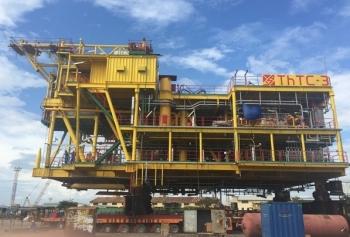Vietsovpetro hoàn thành xây lắp trên bờ khối thượng tầng giàn Thỏ Trắng 3
