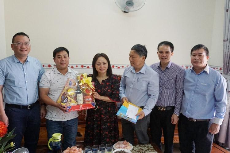 Chủ tịch CĐ DKVN thăm, động viên, chúc Tết người lao động PVTrans và PVChem