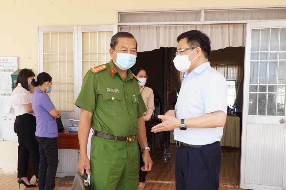 Đồng chí Lê Mạnh Hùng tiếp xúc cử tri huyện Thới Bình, tỉnh Cà Mau