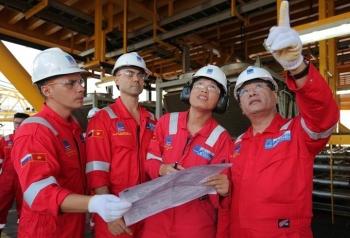 Lãnh đạo BIENDONG POC thăm và làm việc tại giàn khai thác Hải Thạch -Mộc Tinh