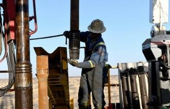 Mỹ cứu ngành dầu đá phiến thông qua xử lý khủng hoảng tiền mặt