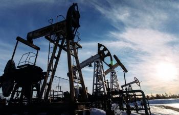 Giá xăng dầu hôm nay 5/4: Lo cầu yếu, giá dầu trượt nhẹ