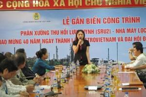 Gắn biển Công trình mới tại NMLD Dung Quất