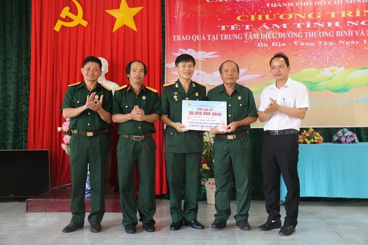 pvfcco mang van nghia tinh den voi dong bao ngheo
