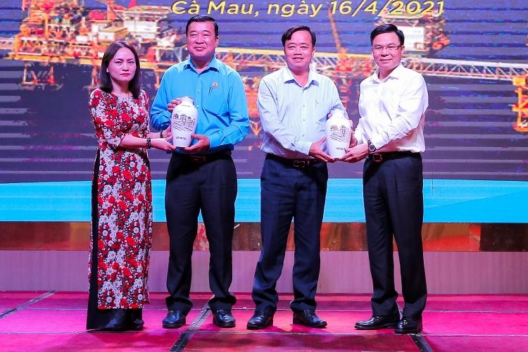 10 năm (2011-2021) phối hợp giữa Công đoàn DKVN và LĐLĐ tỉnh Cà Mau: Nhiều thành quả đáng tự hào!