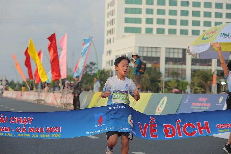 Tưng bừng khai mạc Giải chạy Petrovietnam - Cà Mau 2021