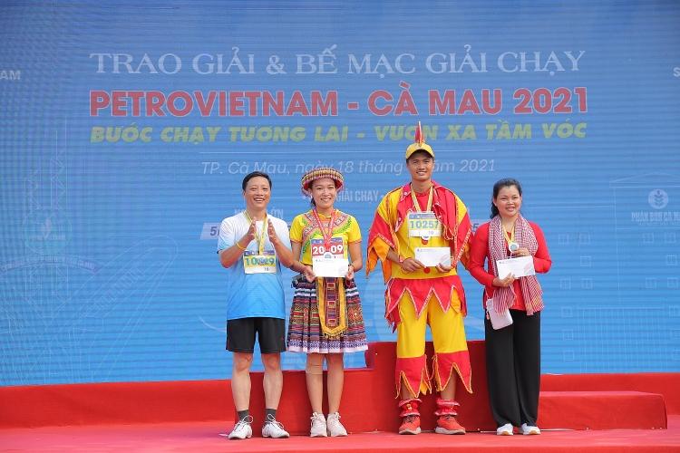 [Chùm ảnh] Giải chạy Petrovietnam - Cà Mau 2021