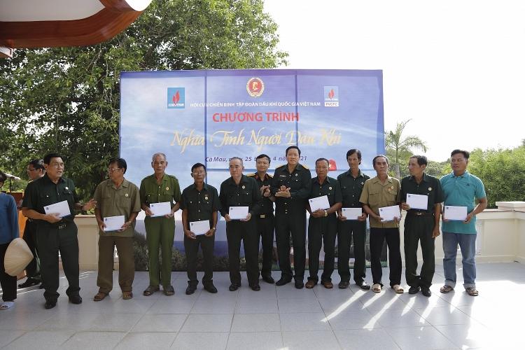 Hội CCB Tập đoàn: Thêm 3 căn nhà và 60 quà tặng nghĩa tình đến với Cà Mau