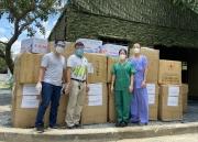 Công đoàn PVFCCo trao tặng gần 14.000 bộ bảo hộ, khẩu trang N95 cho đội ngũ y bác sĩ