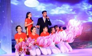 PVFCCo: Tưng bừng hội diễn Tiếng hát cho mùa bội thu 2015