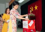Ban Nữ công CĐ Ban QLDA Sông Hậu 1 quyên góp ủng hộ đồng bào miền Trung