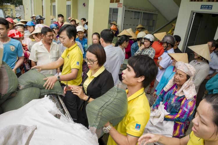 Phân bón Cà Mau dành 1,5 tỷ đồng hỗ trợ công tác giáo dục miền Trung sau bão lũ
