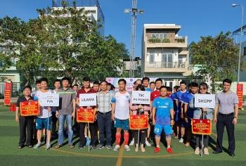 Ban QLDA ĐLDK Sông Hậu 1 tổ chức giao lưu bóng đá trên công trường Nhà máy