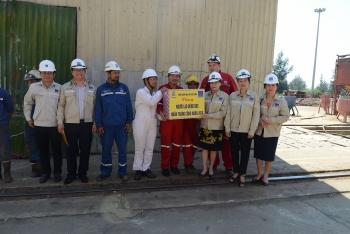 Công đoàn Dầu khí Việt Nam thăm hỏi người lao động có hoàn cảnh khó khăn tại Quảng Ngãi