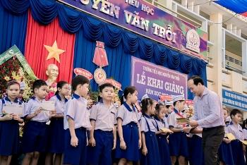 Công đoàn PVCFC tổ chức an sinh xã hội đầu năm học mới